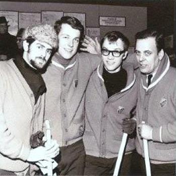 Denna bild har ett alt-attribut som är tomt. Dess filnamn är 1964-DIF-Curling-herr-lagbild.jpg